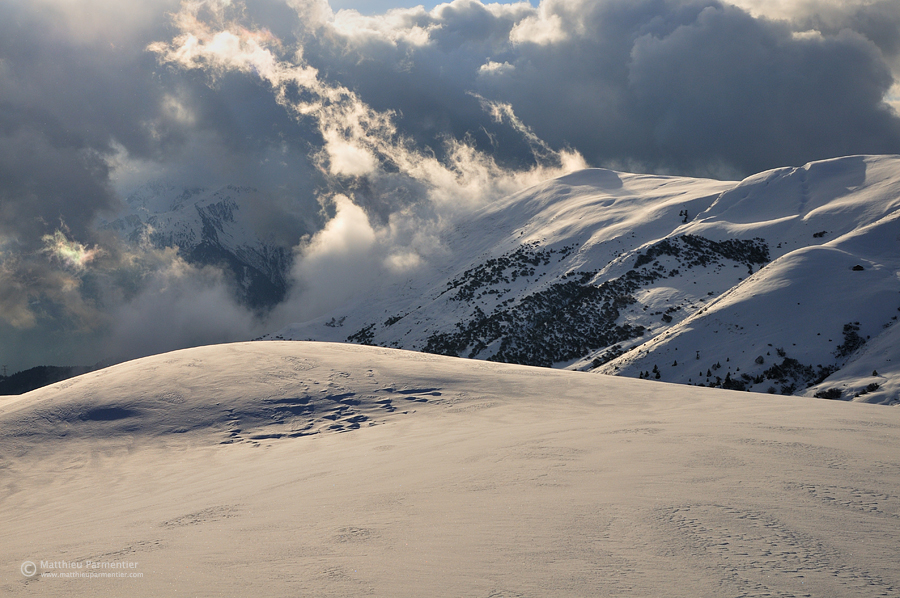 Cloudy Beaufortain by matthieu-parmentier