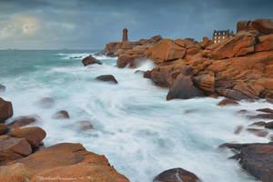 Men Ruz Lighthouse by matthieu-parmentier