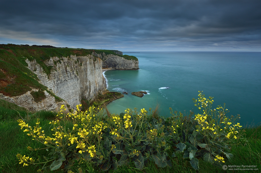 Dawn on the cliffs II by matthieu-parmentier