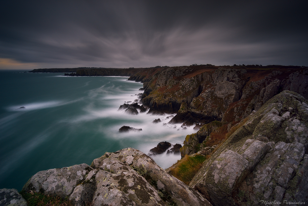 Dark and windy by matthieu-parmentier