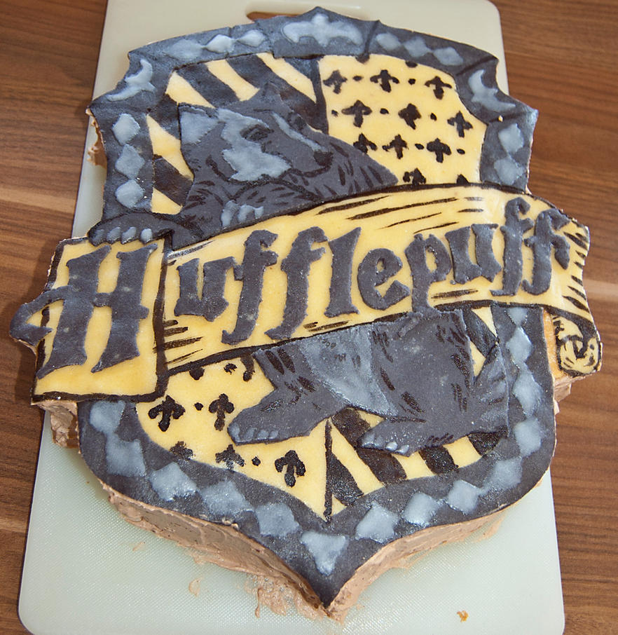 Hufflepuff Cake by littleDragonDaniela