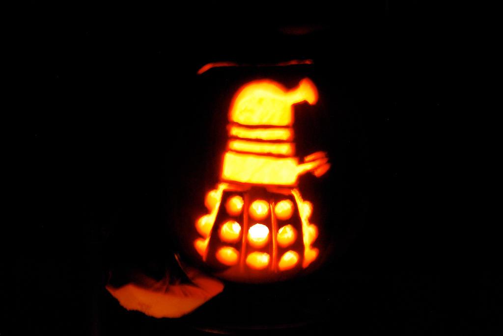 Dalek Pumpkin by DragonBlaid