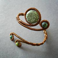 Metis bracelet by szaranagayama