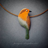 robin on a twig necklace by szaranagayama