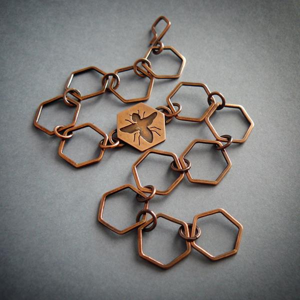 honey bee bracelet by szaranagayama