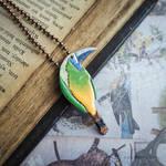 Emerald toucanet pendant