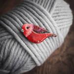pink-headed warbler brooch