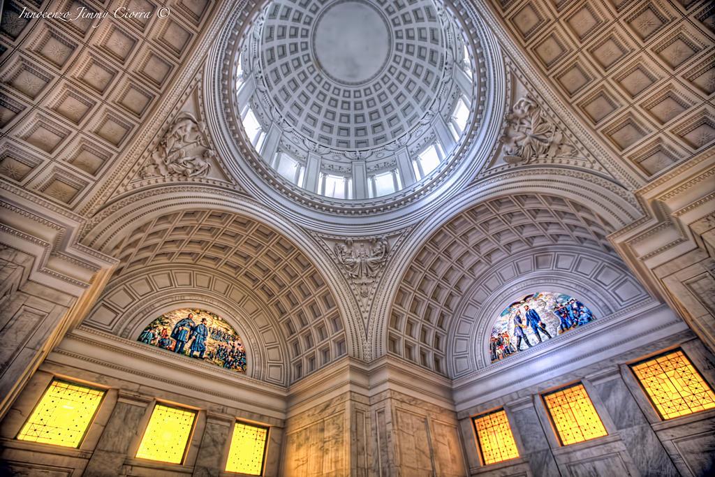 Interior of Grant's tomb