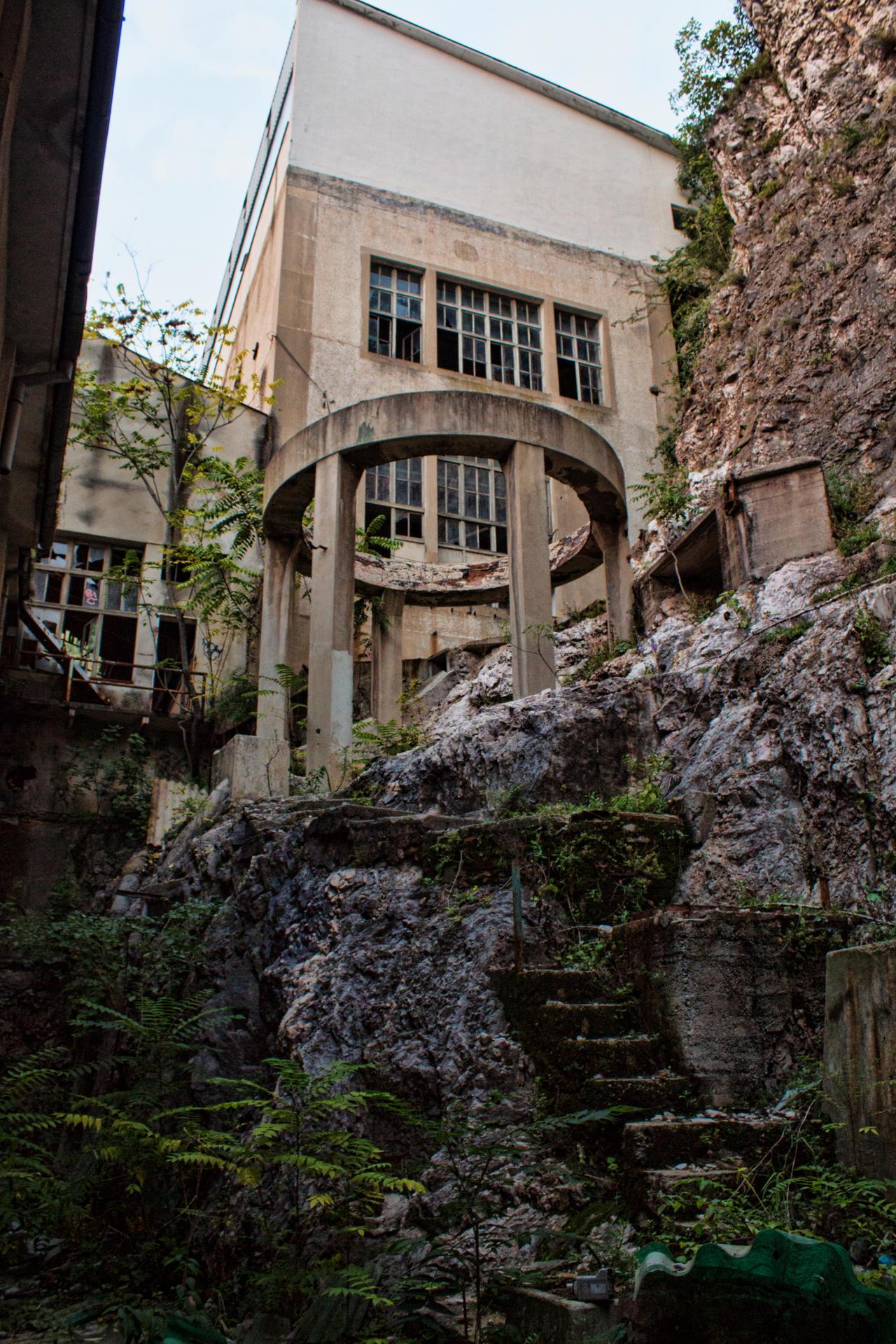 Urban V2... by Dark-Indigo-Stock