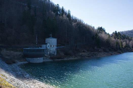Structure (Lake) V1