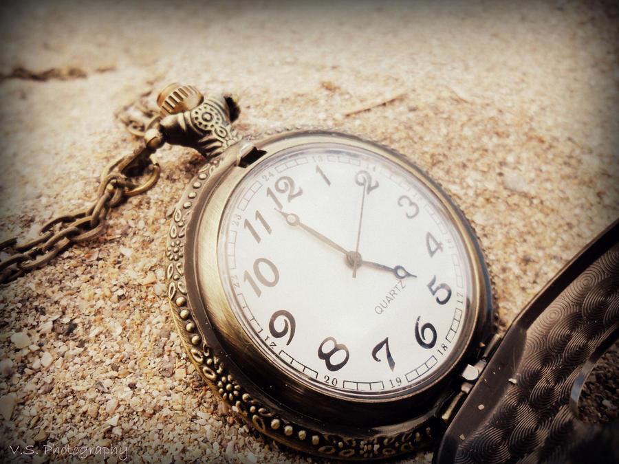 Killing time by VelvetSilhouette
