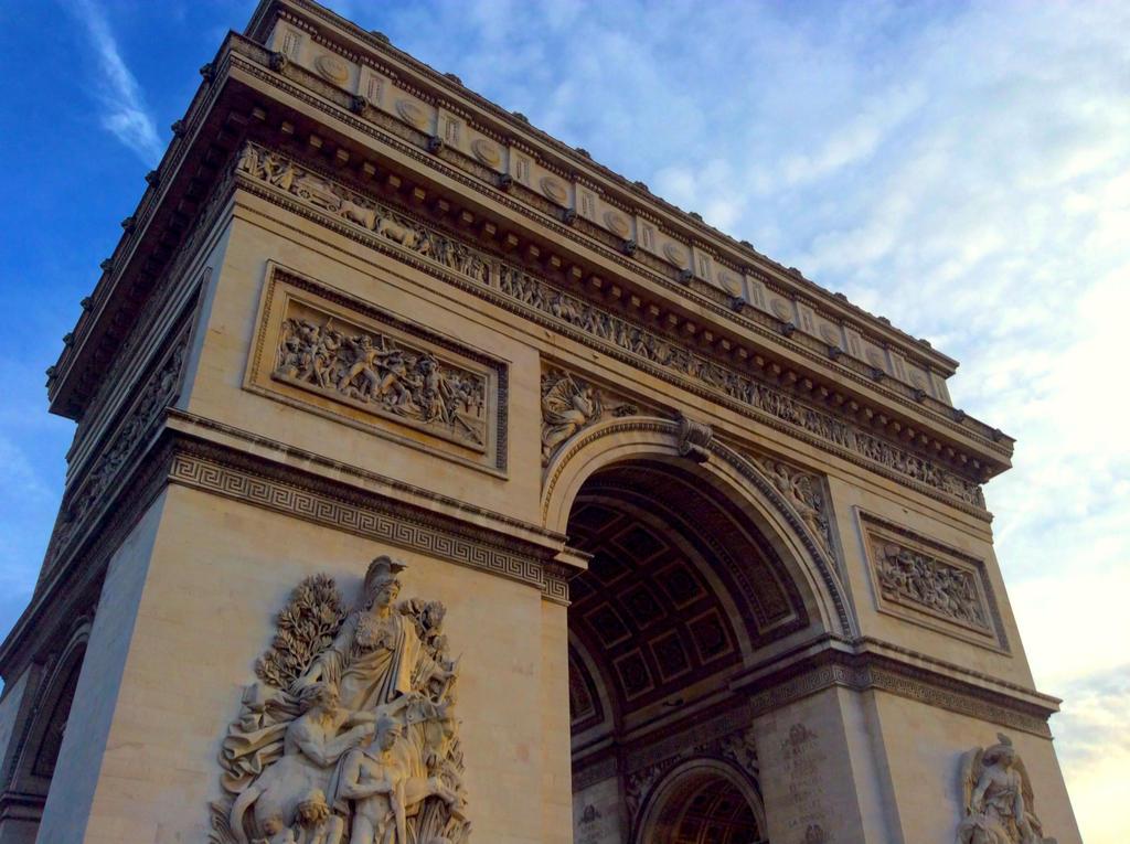 Arc de Triomphe by Scourge8056
