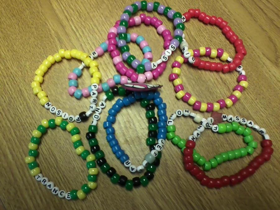 kandi bracelets by jessebarbieheart on deviantart