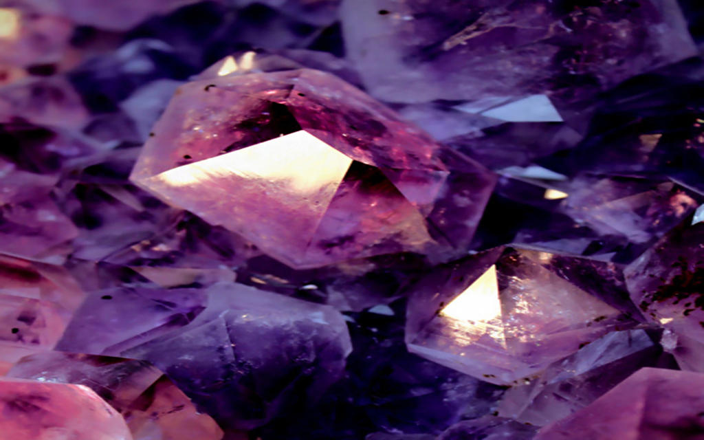 wallpaper purple crystal by Analaurasam on DeviantArt