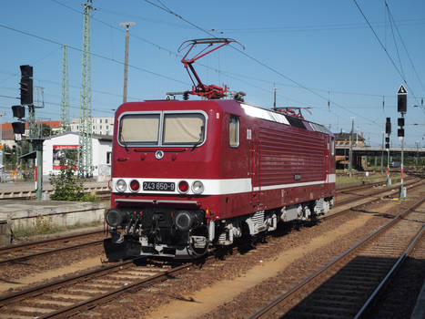 143 650 in traditional paint scheme in Cottbus