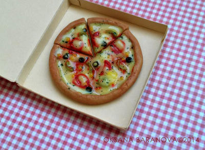 Miniature Pizza 1:6 scale by BroxTinyArt