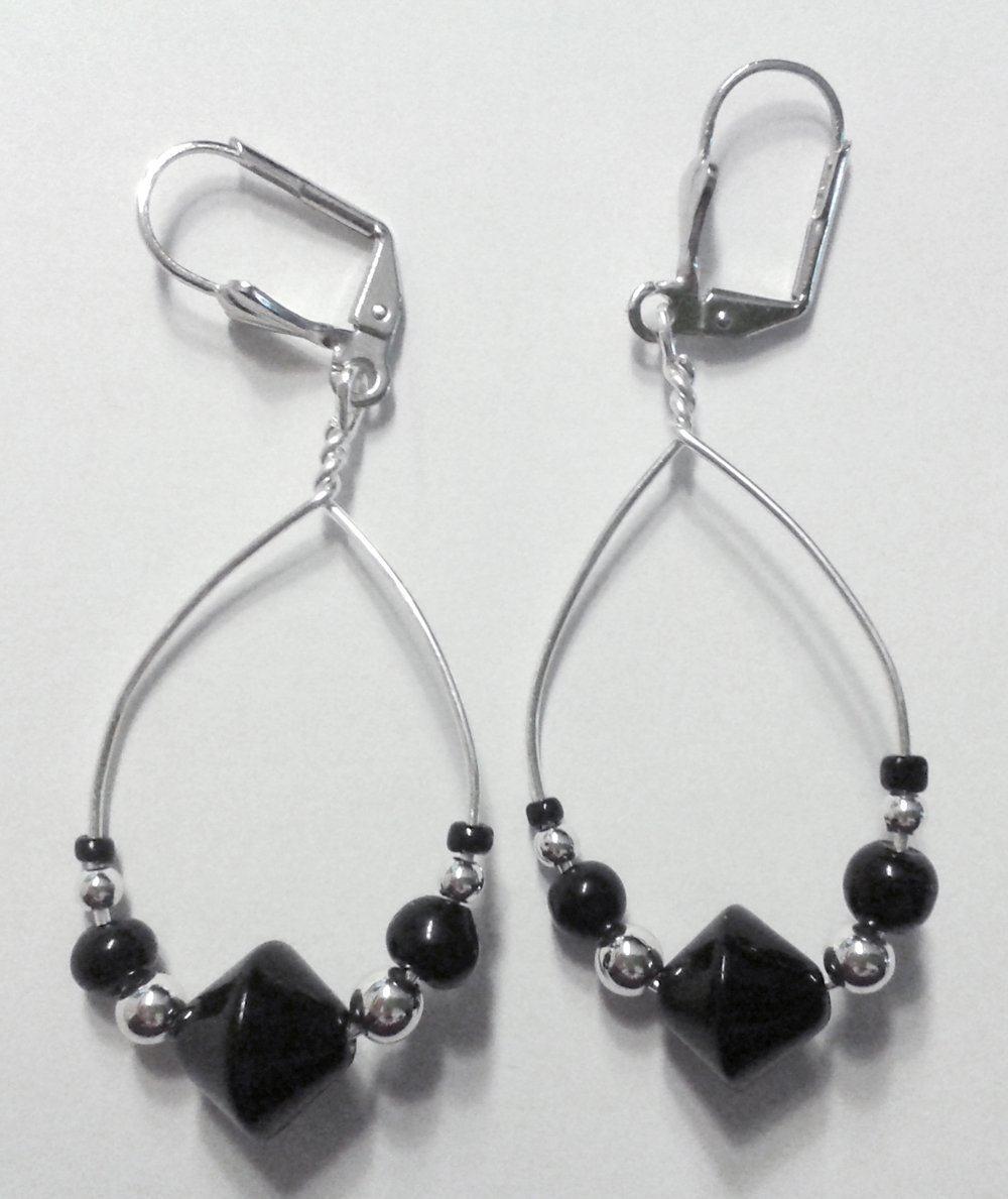black and silver pearls and silver wire earrings by syn-O-nyms