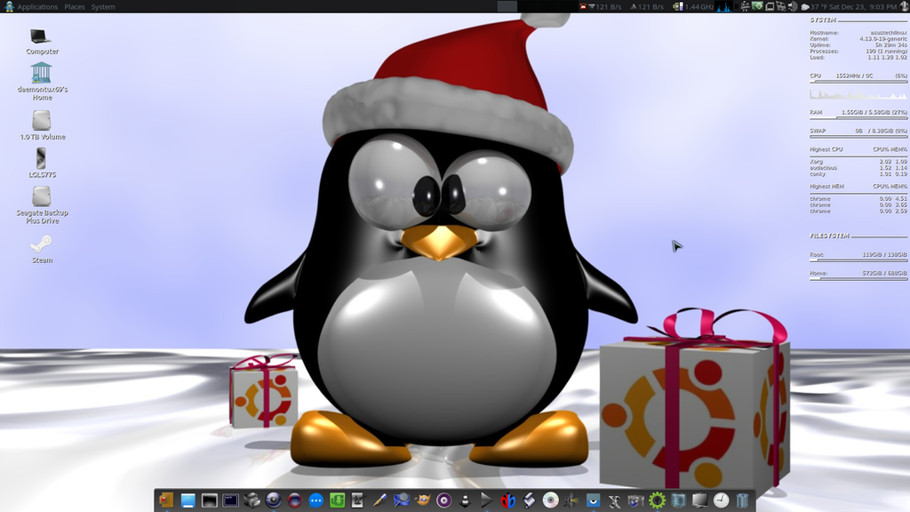Christmas Desky by DaemonHannibal669