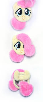 My Little Pony Fluttershy Cuddle Pin Button