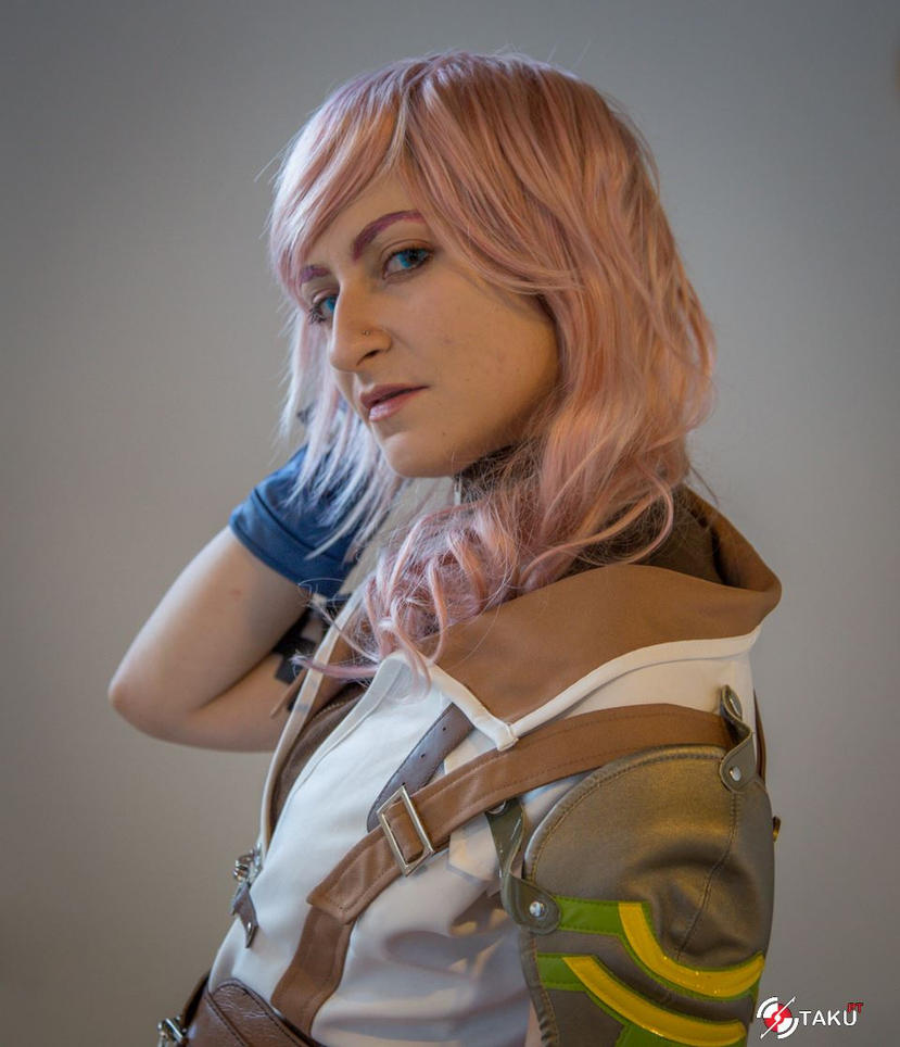 Lightning Close up at Iberanime LX 2014 by Angiepureheart