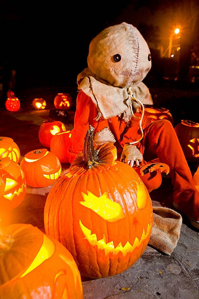 Trick 'r Treat by straywind