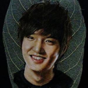 LukisTulangDaun's Profile Picture