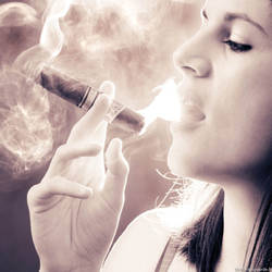 Cigar and smoke by Slagophoto