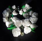 Glittery White Roses Bracelet