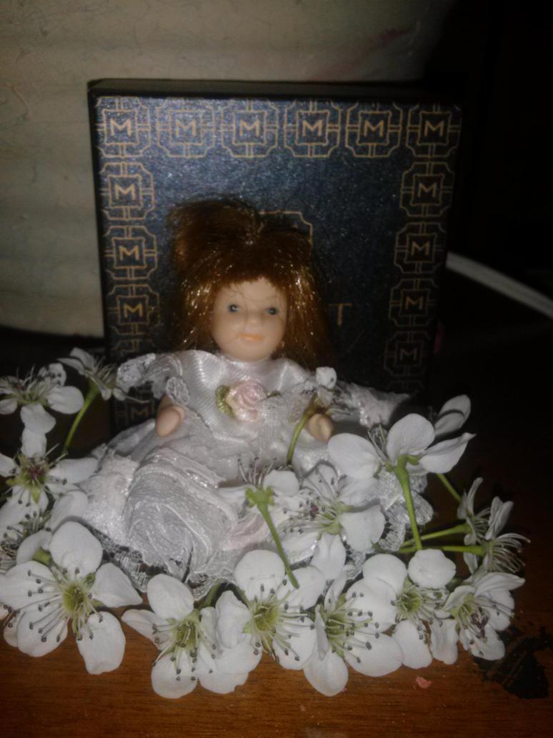 Flower girl by art-is-my-bream