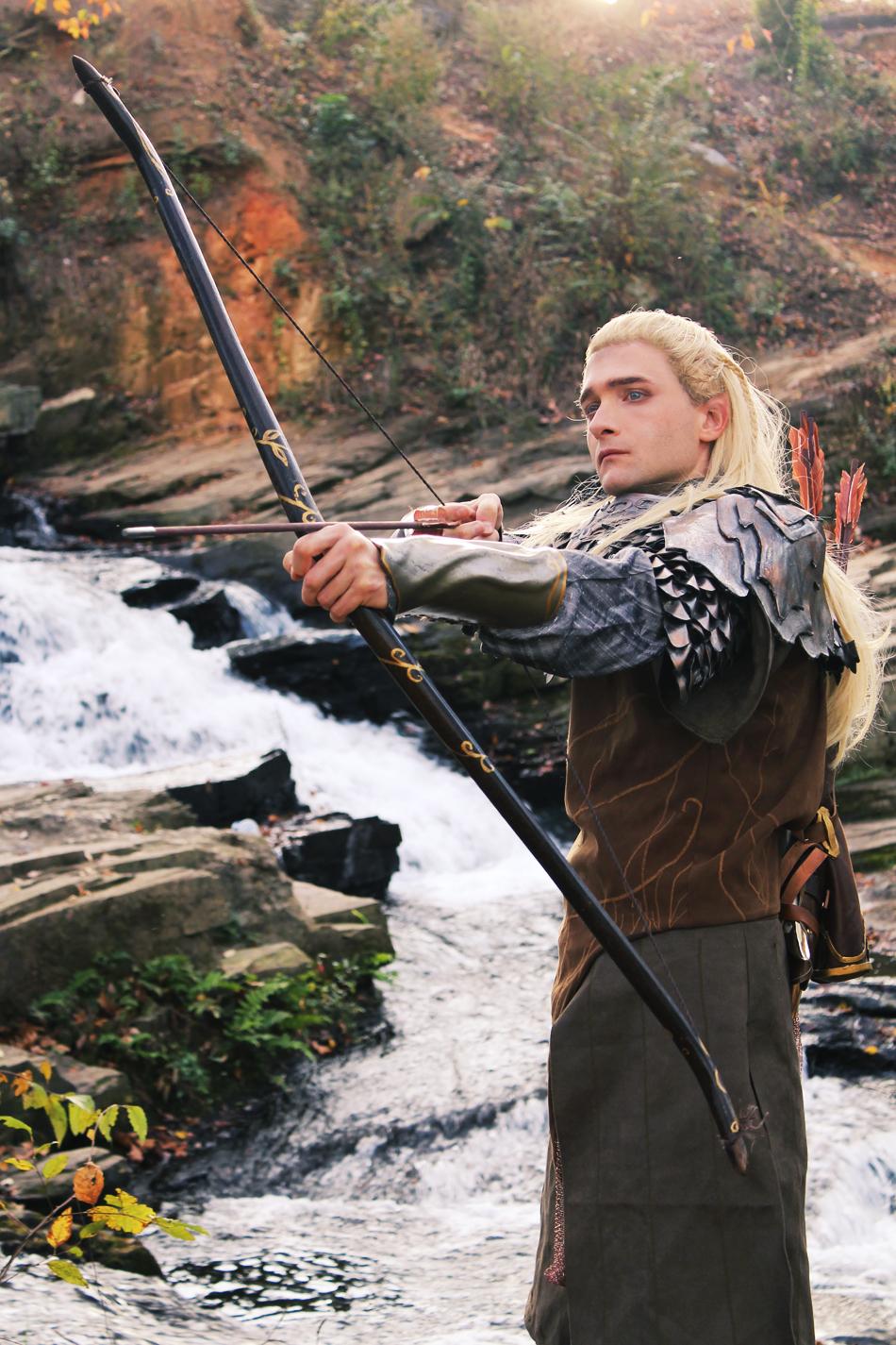 UC3070 - The Hobbit - Short Bow and Arrow of Legolas ...   Legolas Greenleaf Bow