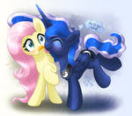 MLP FIM - Princess Luna Silly Kiss Fluttershy