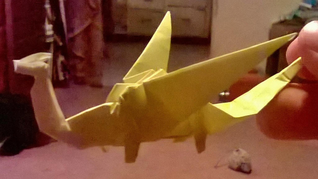 an origami dragon I made, goo right? by Alisterlebeau