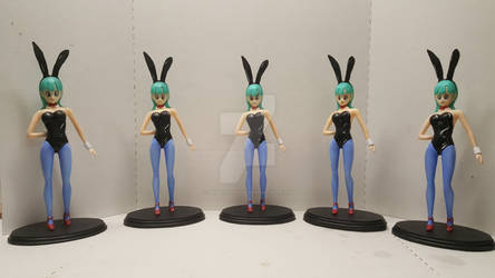 BUNNY OUTFIT BULMA STATUES