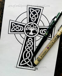 Tree Of Life Celtic Cross - Knotwork Design