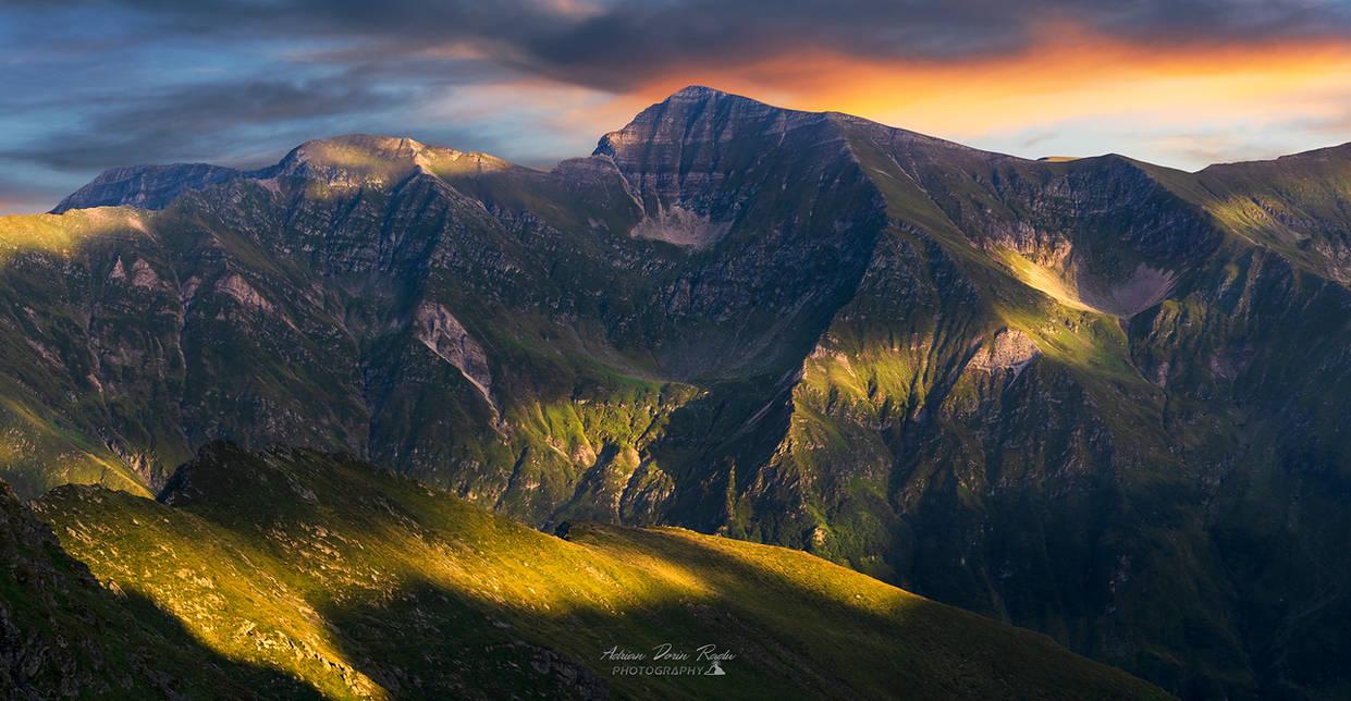 Fagaras Mountains Panorama by trekking-triP