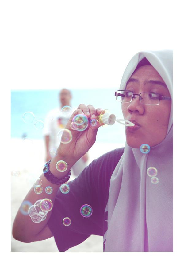 Bubbly by liz-sidekick