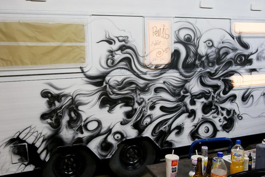 airbrush on caravan. WOHNZILLA