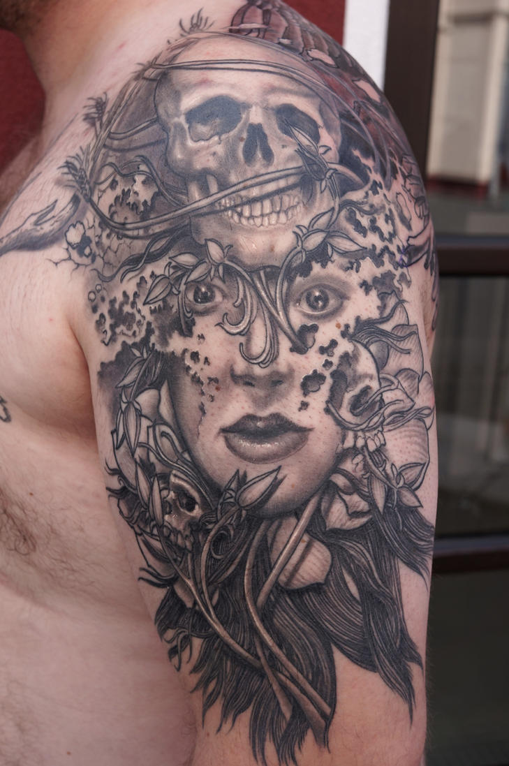 arm tattoo by graynd