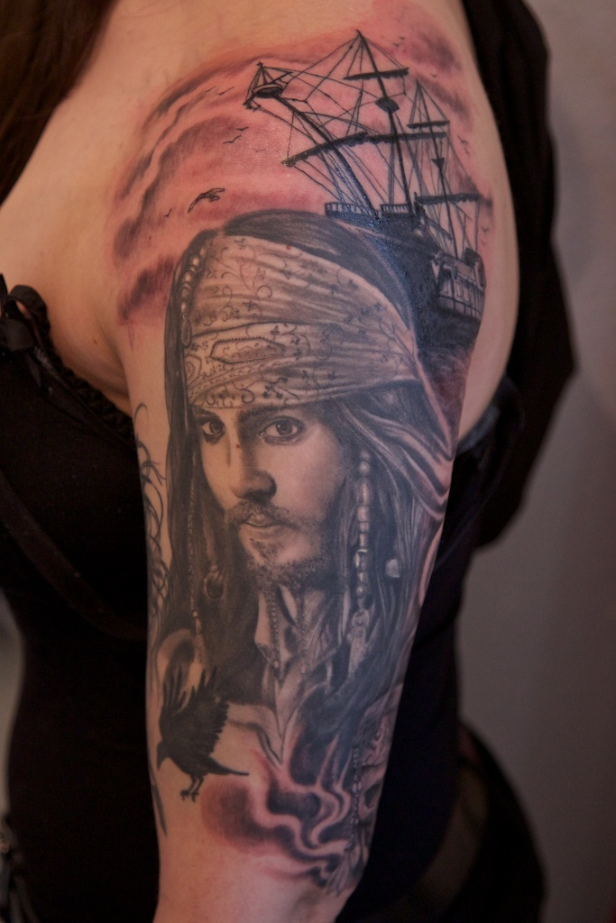 Jack Sparrow and black pearl by graynd