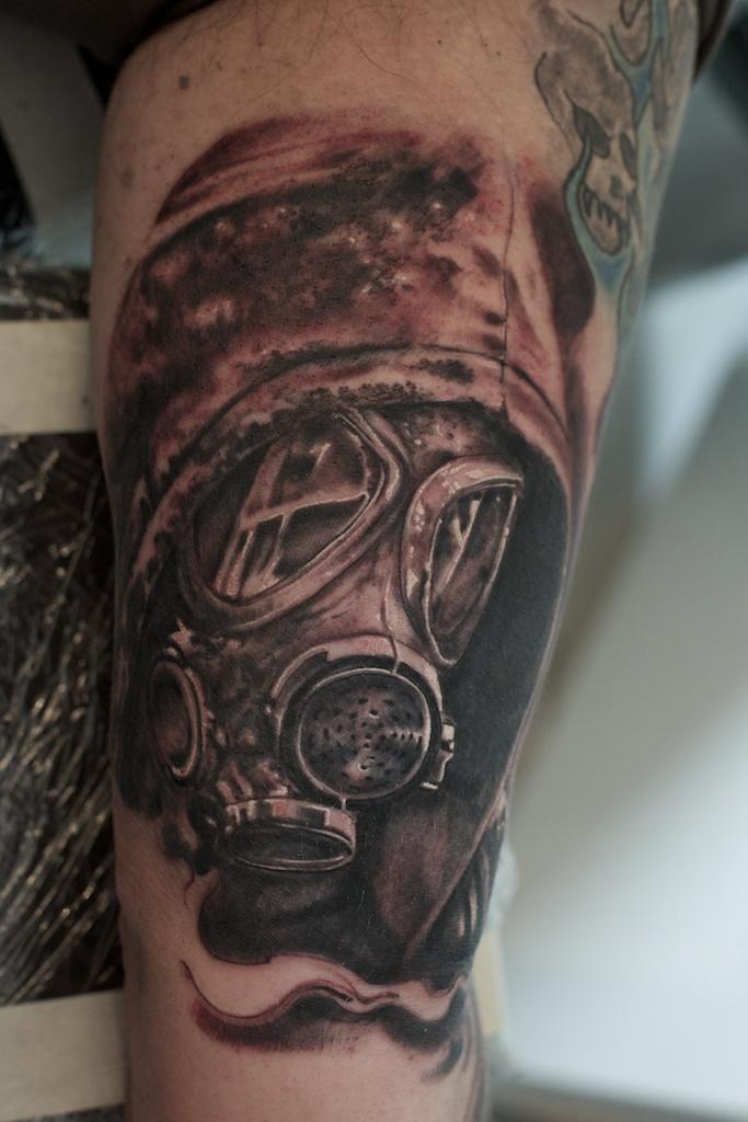 gasmask tattoo by graynd