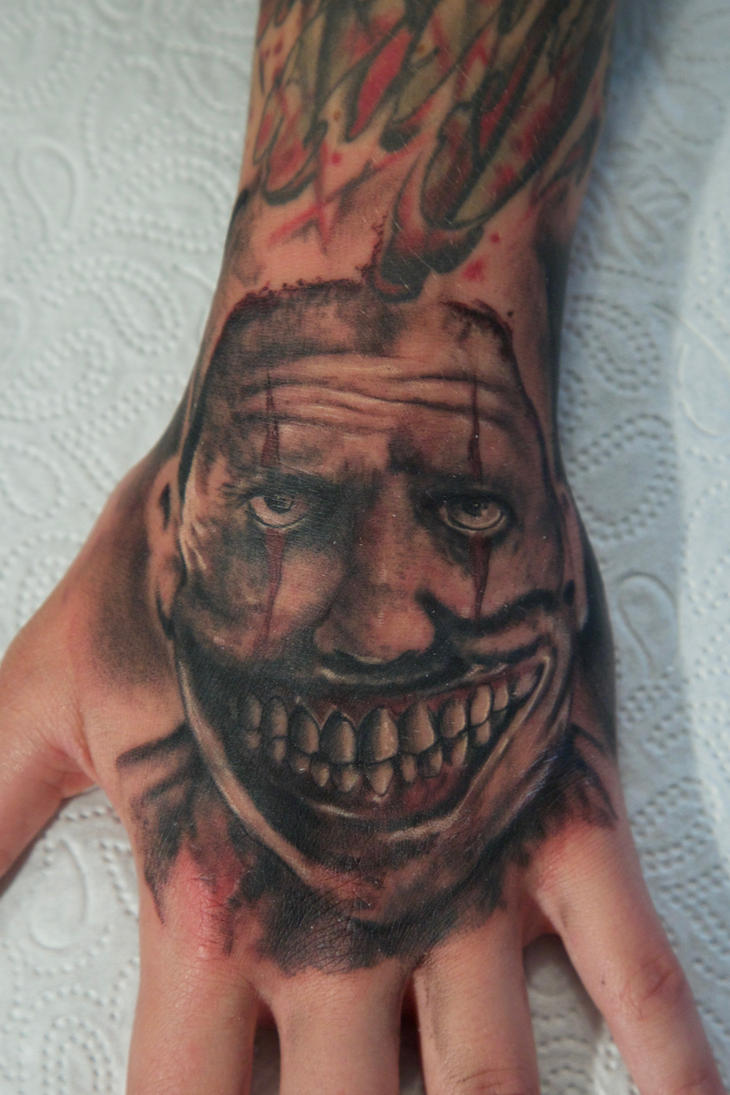 clown on hand by graynd