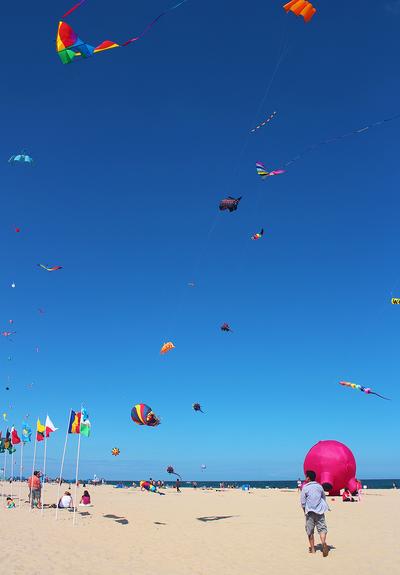 Kite Festival in Ocean City by VintageWarmth