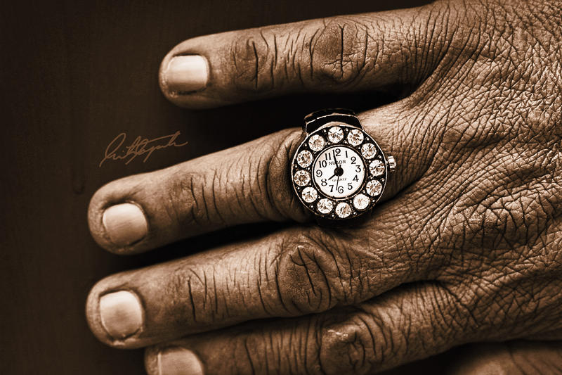 Hands of Time by ScarletWarmth