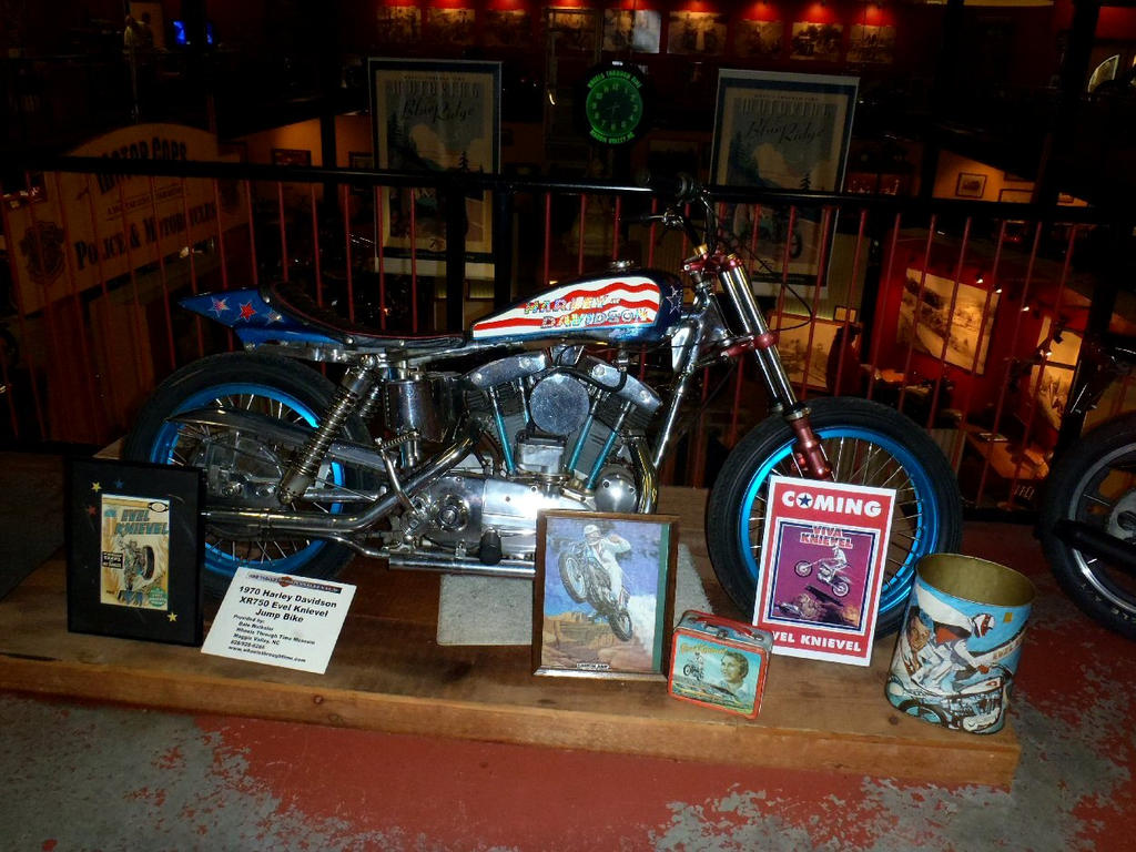 1970 Harley Davidson Evel Knievel Tribute: Evel Knievel 1970 Harley Davidson XR750 Jump Bike By