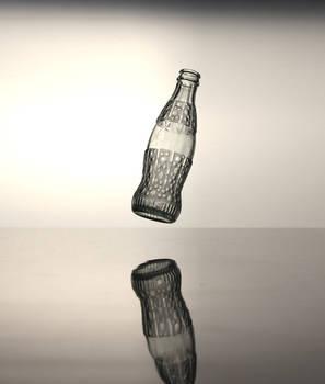Coca Cola bottle (bubble, levitation effect)