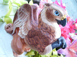 Brown Griffin by drag0nfeathers