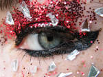 eye red glitter and glass2