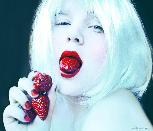 lengua de fresa by Senju-HiMe