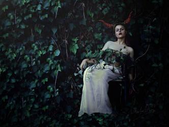 the forgotten queen. by cristina-otero