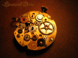 Mechanical pendant by Santa-Evita